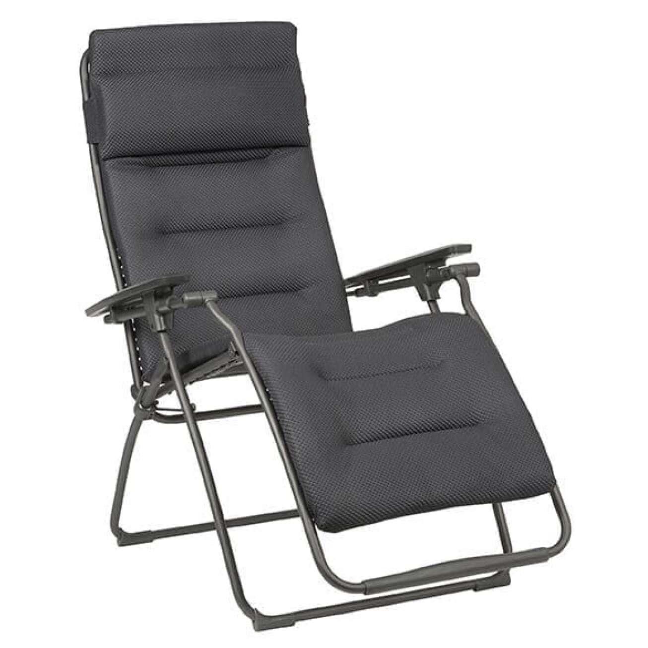 Lafuma recleiner stol som er sammenleggbar med nakkepute i åpen posisjon