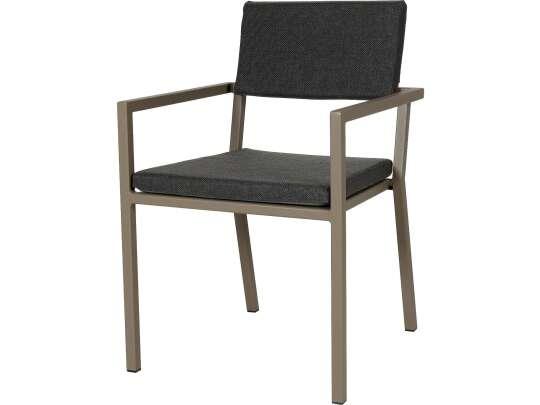 Sundays Frame spisestol i brun aluminium med svarte puter