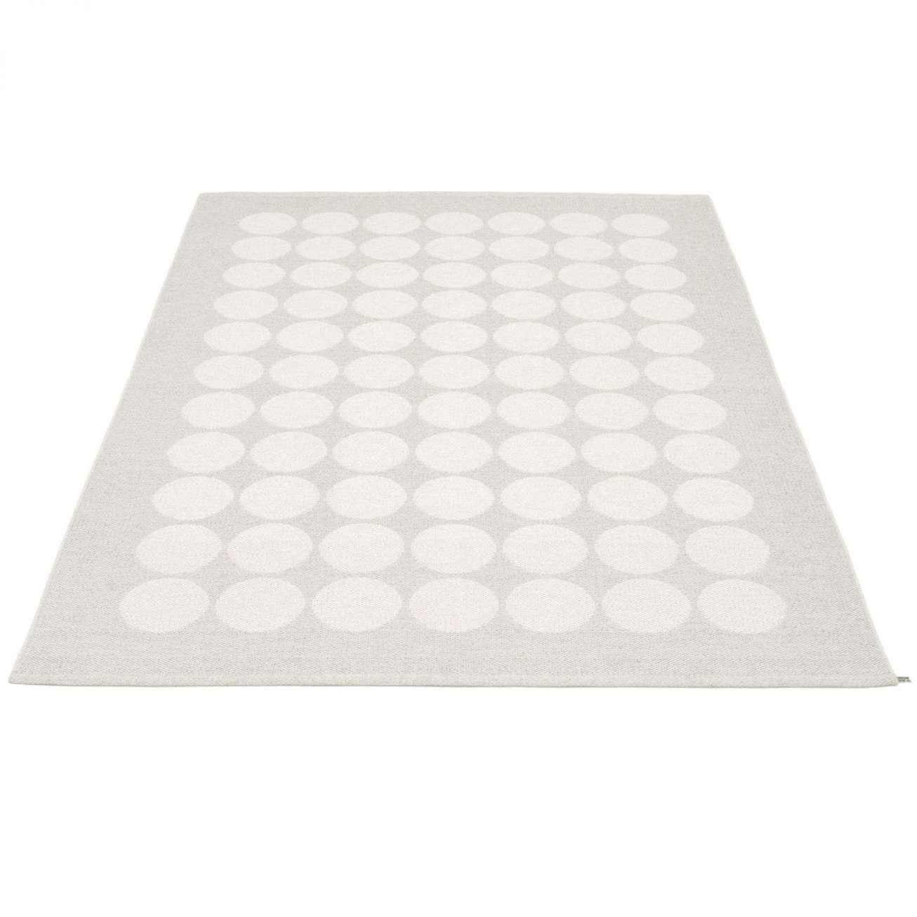 Pappelina Teppe Hugo White Met./fossil Grey 180×260 Cm (huoa1826) Hagemøbler og utemøbler - Fine design