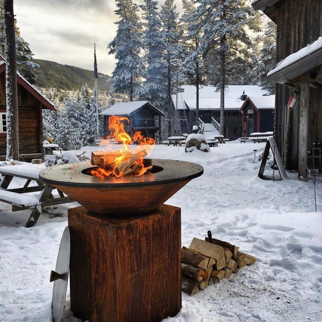 Bålpanne-fra-ofyr-i-vinterlige-omgivelser Hagemøbler og utemøbler - Fine design