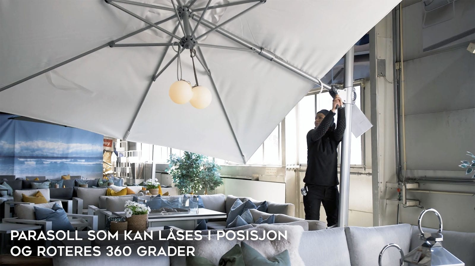 Parasoll-som-kan-låses-i-posisjon-og-roteres-360-grader Hagemøbler og utemøbler - Fine design