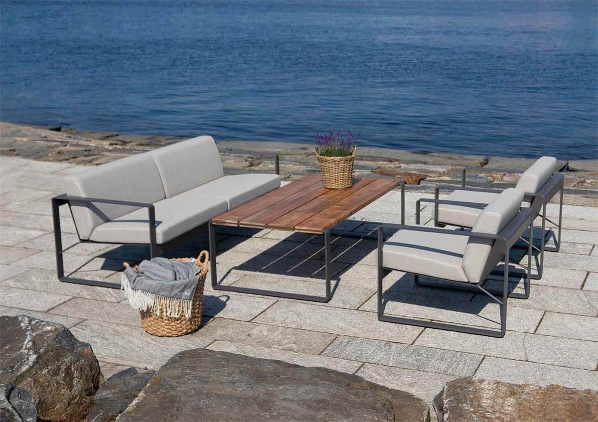 Sunday-designs-frame-ved-sjøen-en-solskinnsdag Hagemøbler og utemøbler - Fine design