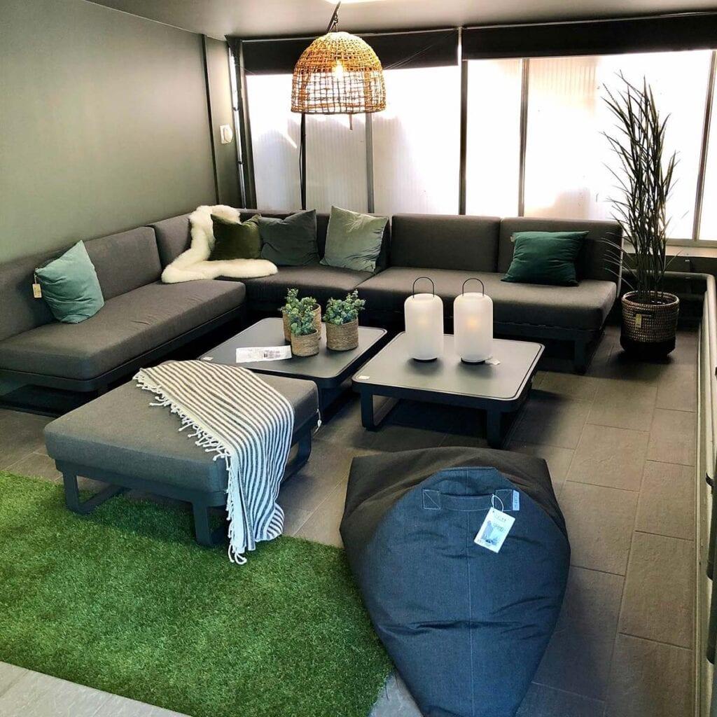Mobel-krok-hos-fine-design-på-hovik-med-mobler-som-også-kan-brukes-inne Hagemøbler og utemøbler - Fine design