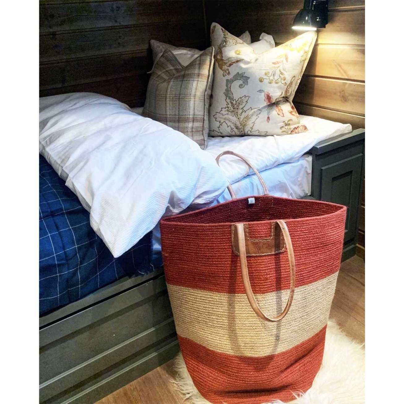 House-of-good-people-bag-produsert-av-kvinner-fra-india Hagemøbler og utemøbler - Fine design