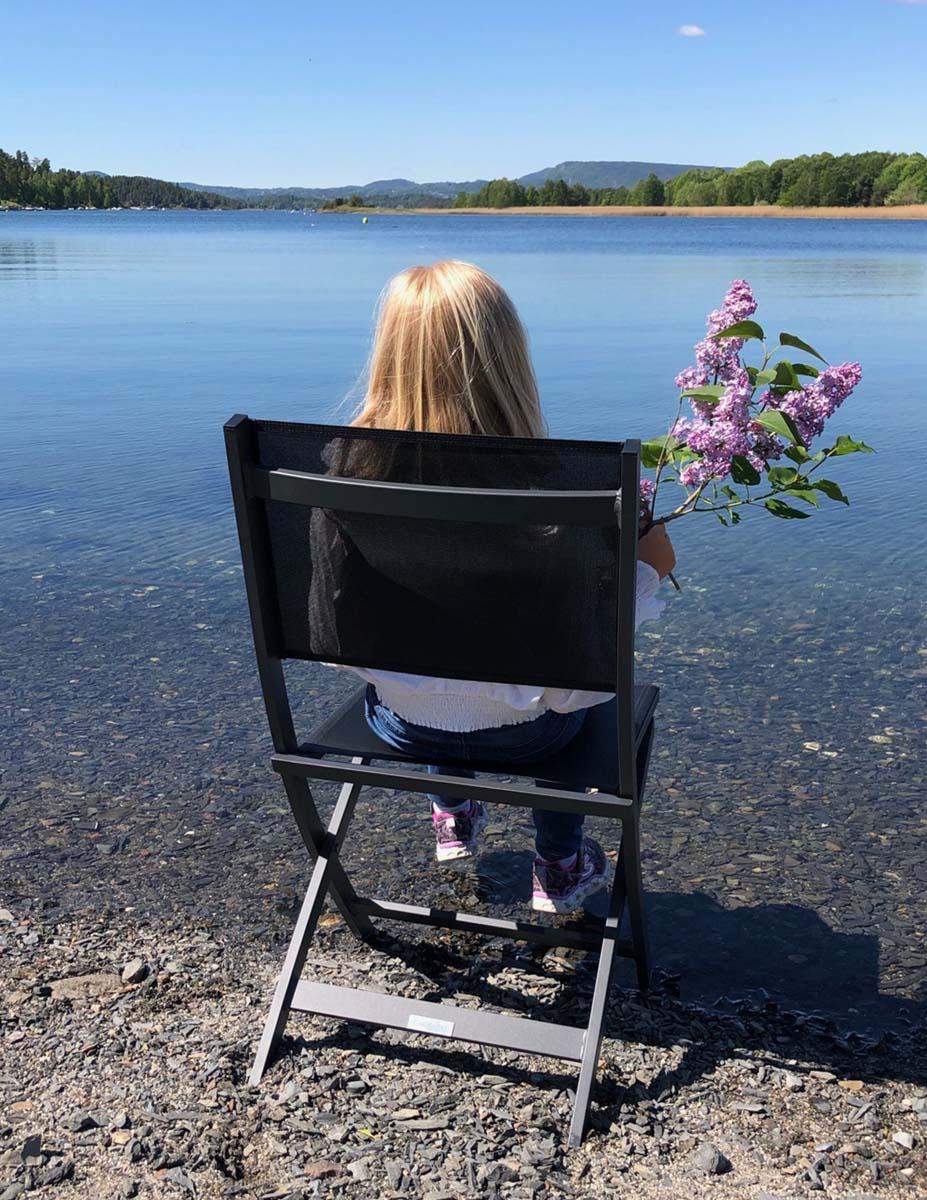 Klappstol-fra-fine-design-i-vannkanten Hagemøbler og utemøbler - Fine design