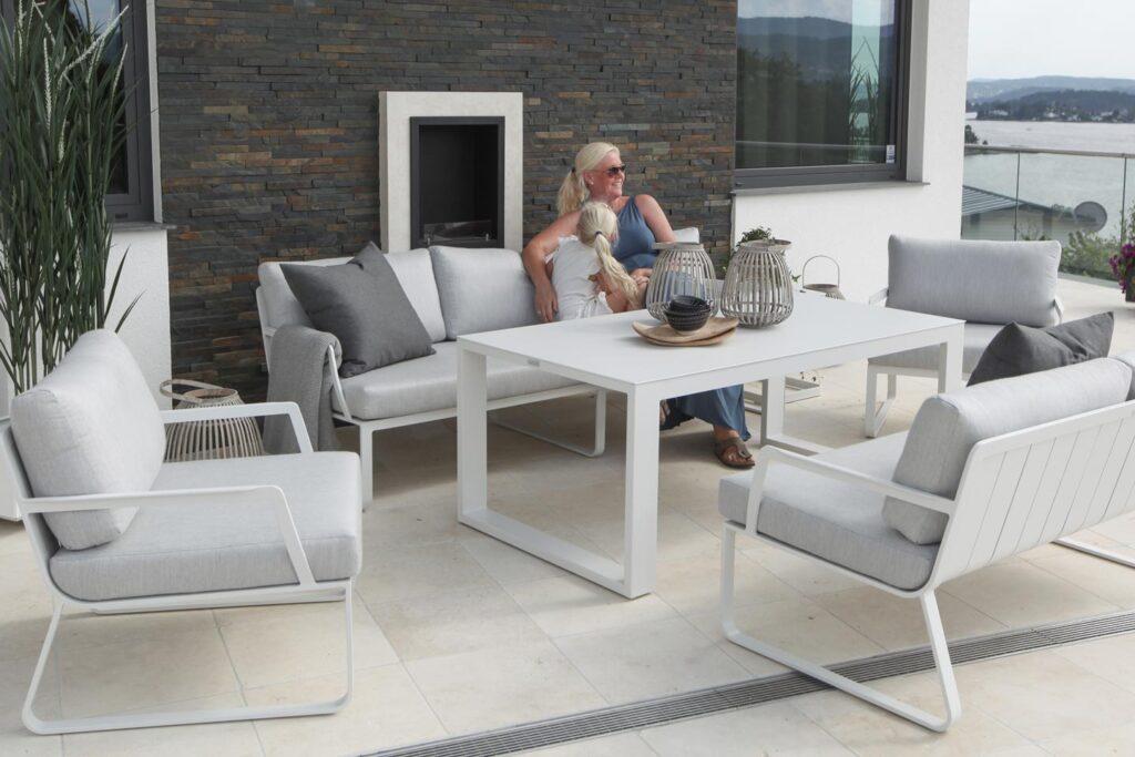 Gardenart sofagruppe med høyt bord