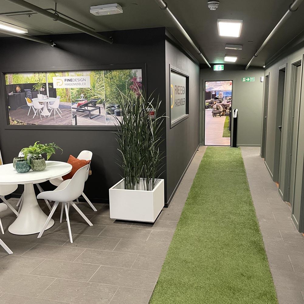 Fine Design hagemøbler høviks utemøbler 2021 inngangsparti den grønne løper