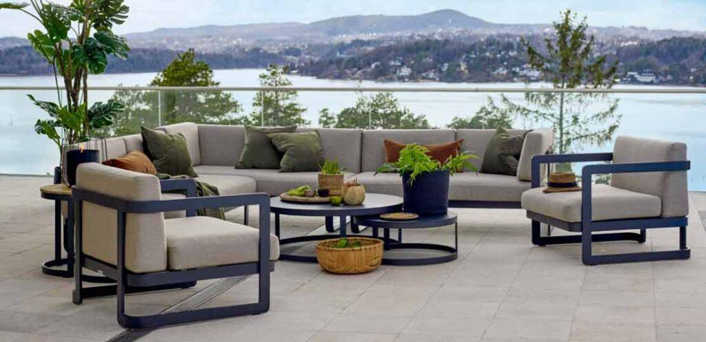 Hagemøbler fra Gardenart kjøpes hos Fine Design